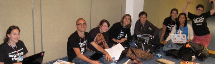 Trackers Daily Meeting! / Junta Diaria de los Trackers