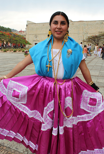 It is all about the people. Always smiling, welcoming and proud of several customs, as well as the use of some traditional Mexican clothing. You will never feel alone in Oaxaca, as this state is considered one of the most friendly and multicultural all across the country